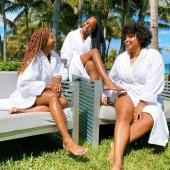 Prenez soin de vous Les Bouclettes➰  • • • • • • • •#cheveuxcrepus #nappyhair #afrohair #afro #cheveuxbouclés cheveuxnaturels #cheveuxafro #hairstyle #hair #naturalhairgrowth #afrohairstyle #naturalhair #nappy #curlyhair #ethnique #ethnic #curlyhairstyles #frizzyhair #smile #sundaycare #care #takecareofyou #reunionisland #afrohairstyle #nappyafro #nature #naturalhairgrowth #natural #afropunk #labouclette #africanbeauty #goodvibes #afrohairstyle #Africa #nappyhair